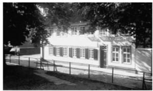 Am alten Kirchhof präsentierte Haus Wüst früher den bürgerlichen Stolz seiner Bewohner. (REPRO:H.Steines)