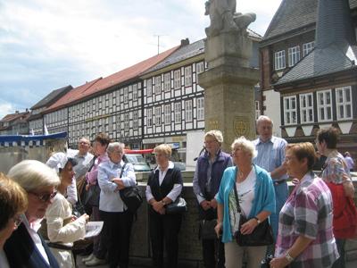 Treffen der ersten Gruppe am Marktplatz